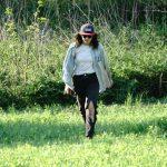 erin marche dans le champs